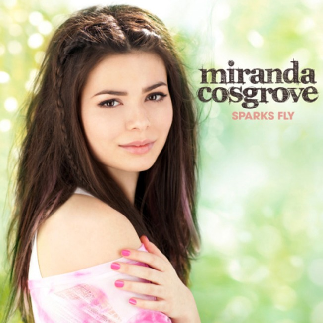 Miranda_Cosgrove-Sparks_Fly_(Deluxe_Edition)-Frontal